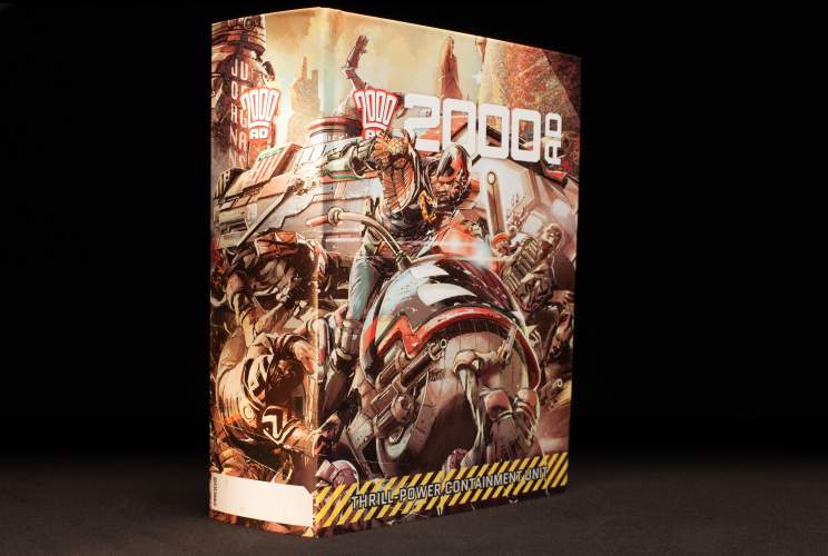 2000 AD THRILL-CONTAINMENT BINDER, LTD EDITION (Jake Lynch Design)