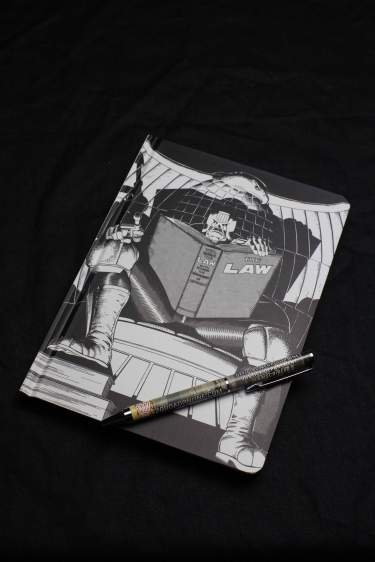 MEGA CITY ONE PEN AND POCKET NOTEBOOK